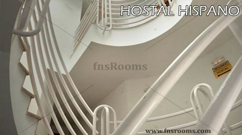 Hostal-Hispano-escalera